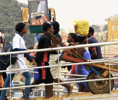 Início de Produções em Angola